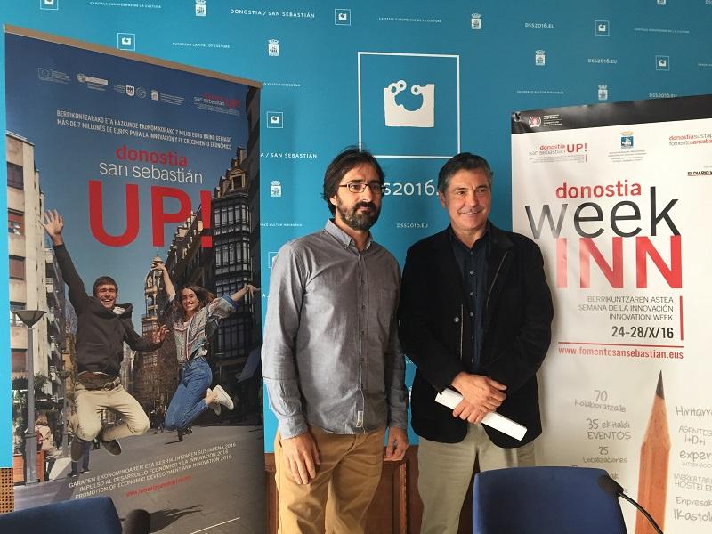 Iñigo Olaizola, responsable de Innovación de Fomento de San Sebastián, y Alfonso Gurpegui, concejal de Espacios Públicos. Foto: Ayto.