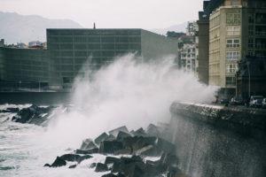 IMG7648 300x200 - Aviso amarillo por impacto de olas y riesgo para la navegación
