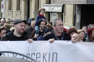 IMG7695 300x200 - 10.000 personas claman en Donostia por alternativas para la incineradora