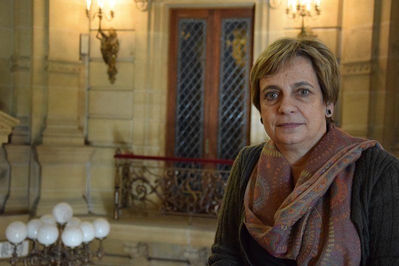 Miren Azkarate Jon Insausti sustituye a Miren Azkarate al frente de Cultura y Educación en el Ayuntamiento