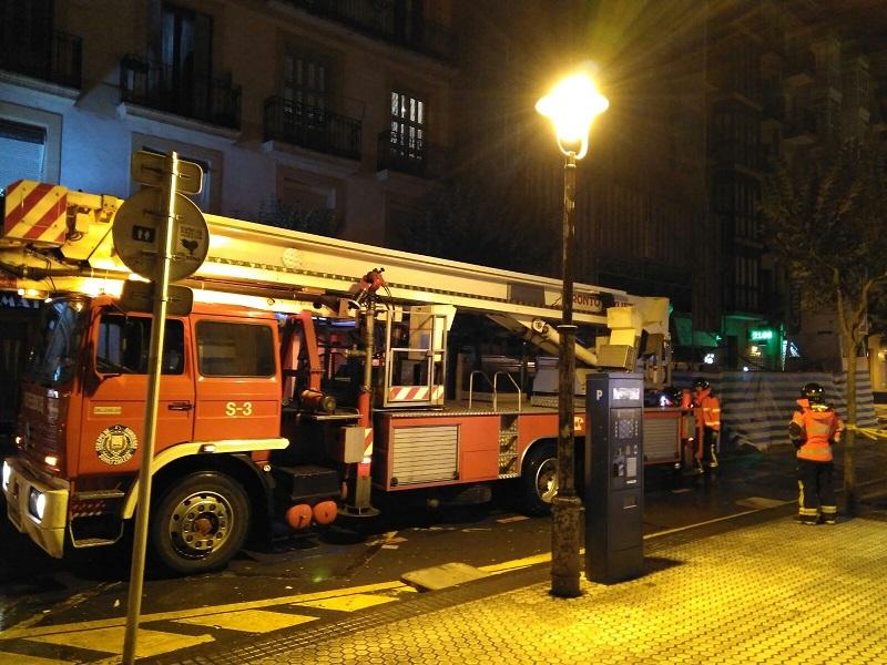 Bomberos en la calle Matía sobre las 21 horas. Foto: Idoya Pardo Martín