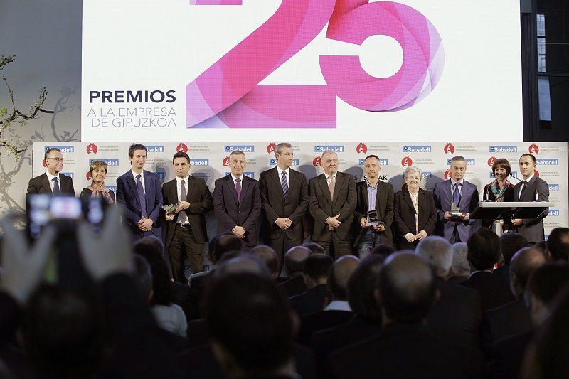 Foto familia Premios Empresa 2017 Irizar, de Ormaiztegi, Empresa de Gipuzkoa del año
