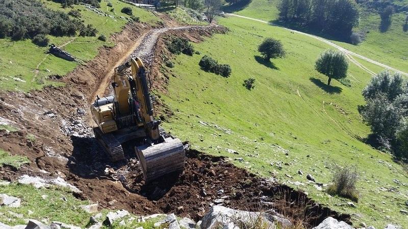 Imagen de archivo. Construcción de pistas en la Sierra de Aralar. Foto: Eguzki.