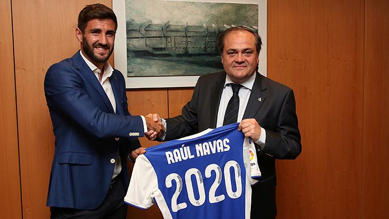 Raul Navas durante su renovacion en 2017. Foto: Real Sociedad