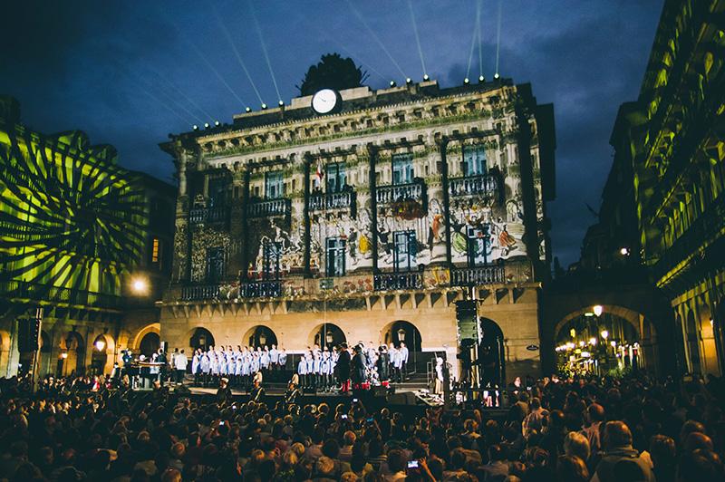 Actuación del Orfeón en el aniversario de la plaza de la Constitución. Foto: Santiago Farizano