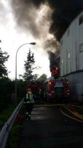 empresa surf 169x300 - Incendio en el polígono Ugaldetxo de Oiartzun