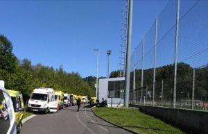Tolosa1protección civil 300x193 - Un centenar de afectados tras el escape tóxico en una piscina de Tolosa