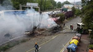 Villabona 2 300x169 - (Ampliación) 17 heridos, uno grave, saldo del choque de un camión con un autobús a la altura de Irura