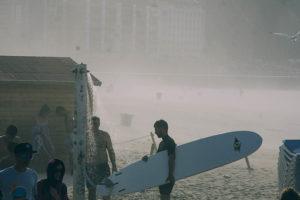 IMG2663 300x200 - La galerna anunciada por Euskalmet terminó con el día de playa