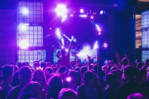 IMG4160 300x200 - DJ's y mucho público en las noches del Kursaal