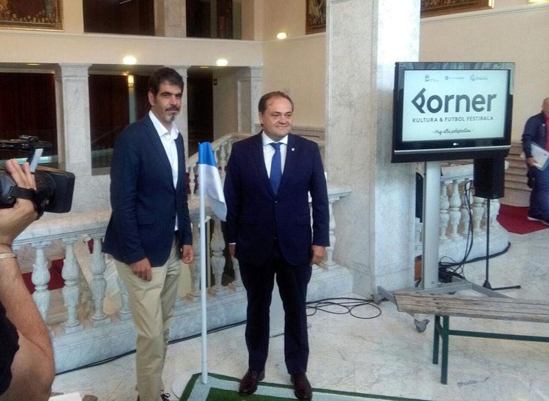 El alcalde Eneko Goia y el presidente de la Real Sociedad, Jokin Aperribay. Foto: A.E.
