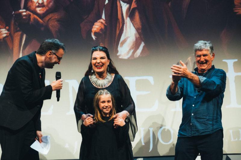 El director del evento Josemi Beltrán, Uma Bacaglia y Kandido Uranga de Errementari, y María José Cantudo el sábado por la noche en el Principal. Foto: Santiago Farizano