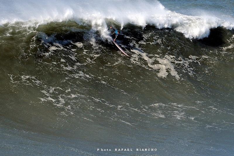 Imagen del surfista Axi Muniain. Foto: GSF