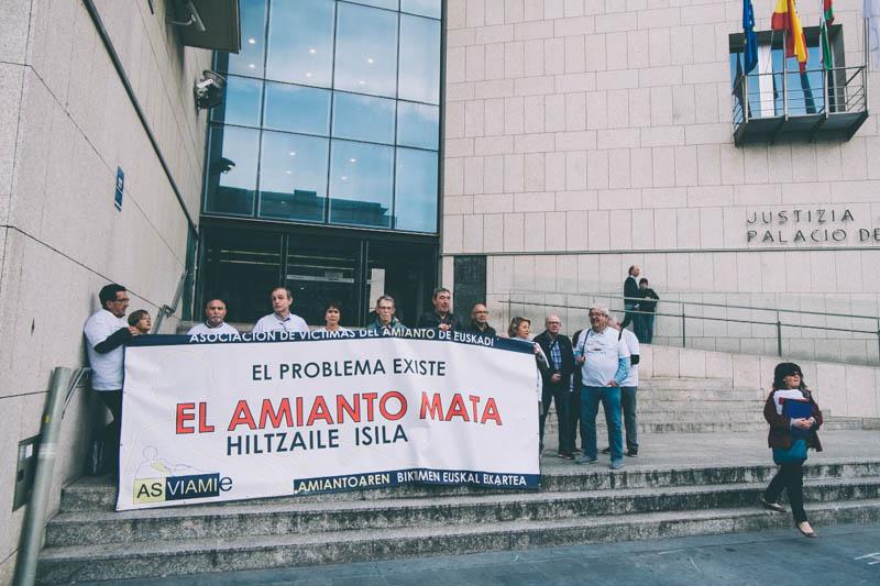 El pasado jueves en la puerta de los juzgados. Foto: Santiago Farizano