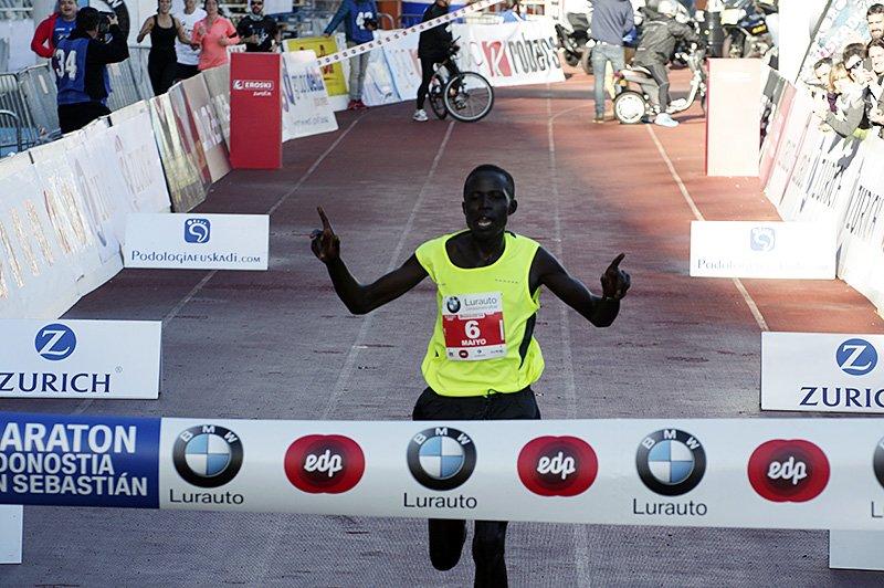 Hosea Kiprono Maiyo (Kenia) quiere repetir la gesta del pasado año. Foto: Santiago Farizano