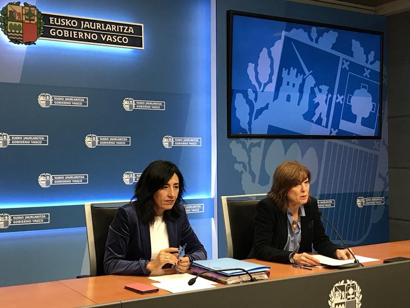 La consejera Cristina Uriarte da a conocer las nuevas propuestas. Foto: Gobierno vasco
