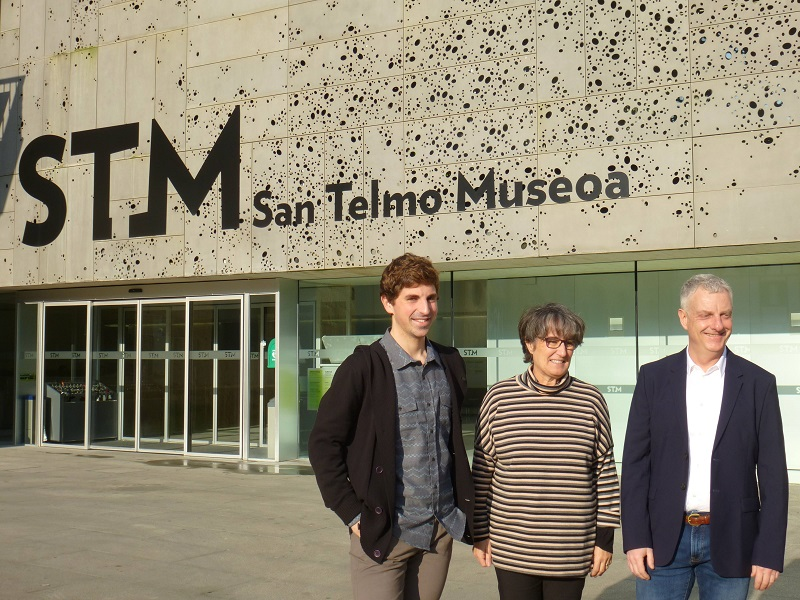 Foto: El concejal Jon Insausti, la directora de San Telmo Susana Soto y el director de Donostia Kultura Jaime Otamendi.