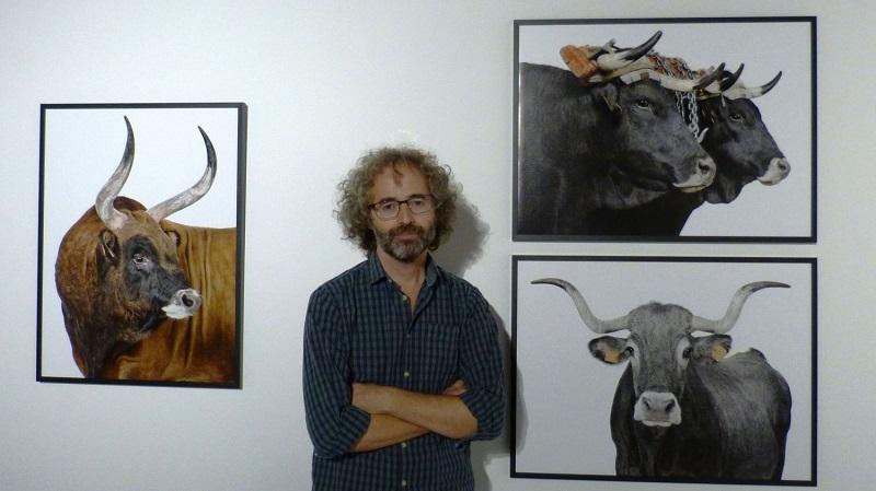 El artista José Barea y su bestiarium. Foto: Fundación Cristina Enea