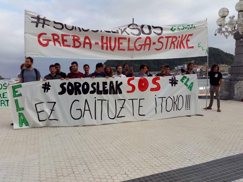 Imagen del inicio de la huelga de los socorristas el pasado mes.