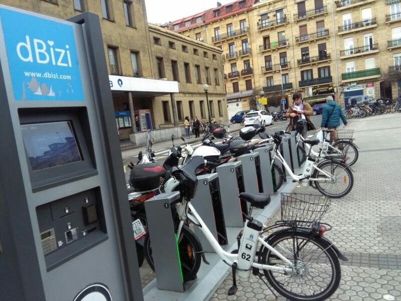 Bicicletas de dBizi en una estación. Foto: A.E.