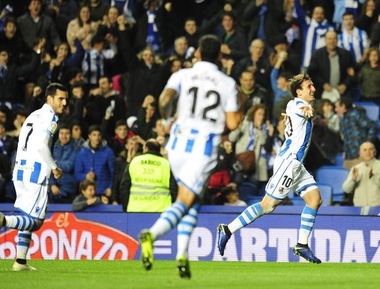 Mikel Oyarzabal celebra su exitosa volea en el Real Sociedad-Celta de Copa. Foto: www.laliga.es.
