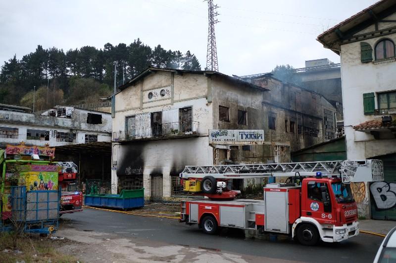 El edificio incendiado de El Infierno a la mañana siguiente. Foto: Santiago Farizano.