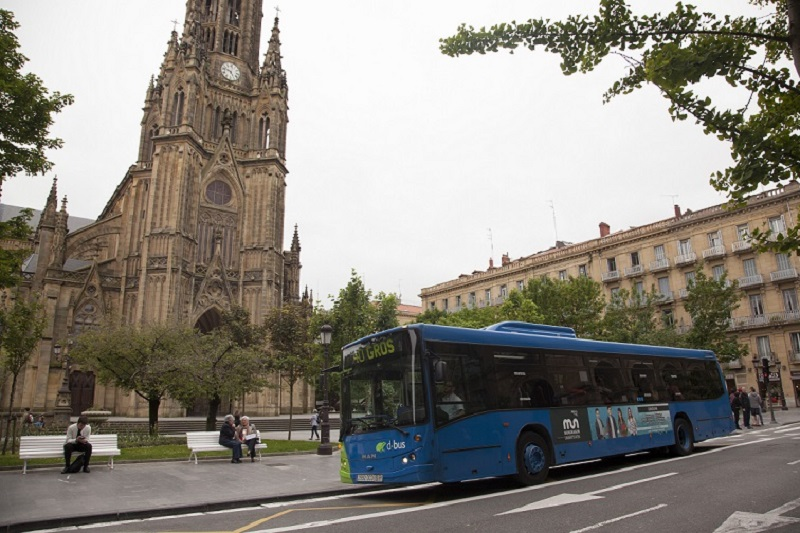 Autobús en el Buen Pastor.