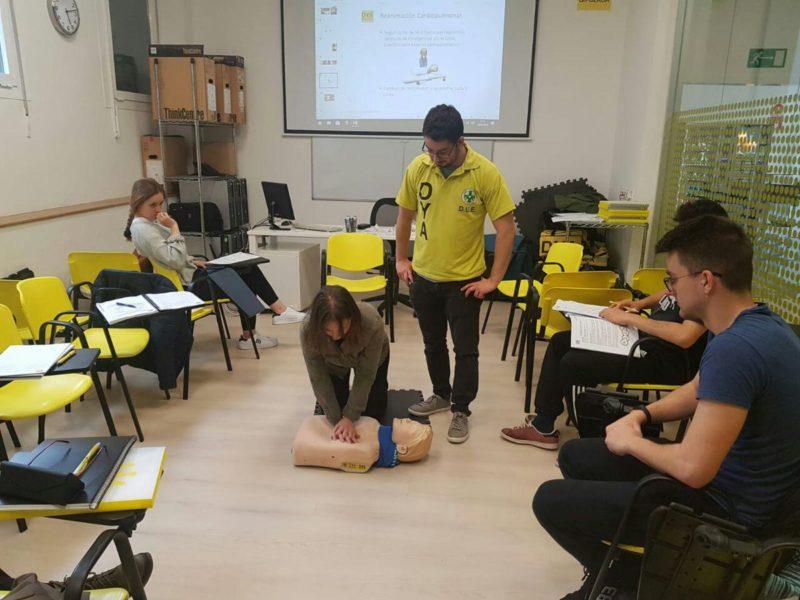 Imagen de archivo de un curso de primeros auxilios. Foto: DYA