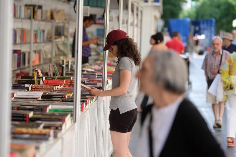 Primer día en la Feria del Libro 2019 en la plaza Gipuzkoa. Foto: Santiago Farizano