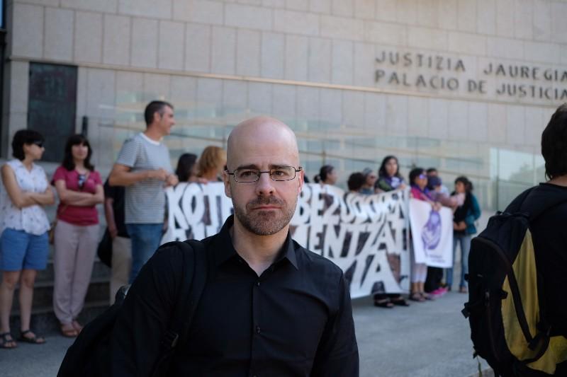 El representante de las víctimas Mario Díez en el juzgado. Foto: Santiago Farizano