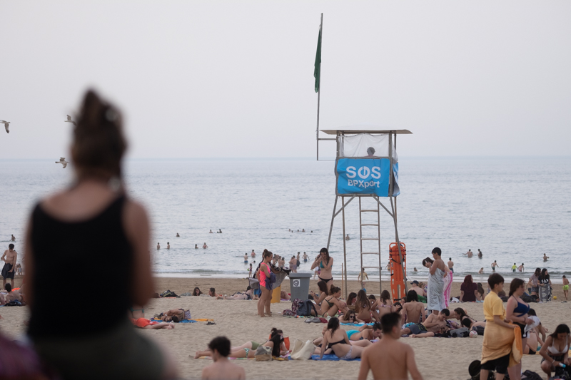 Imagen de 2019. Socorristas en la playa. Foto: Santiago Farizano