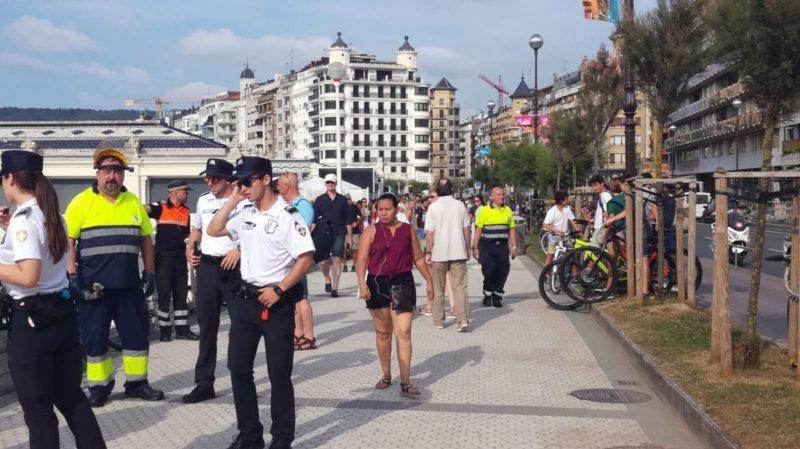 Imagen de archivo. Guardias Municipales retirando bicicletas de la Concha. Foto: JME
