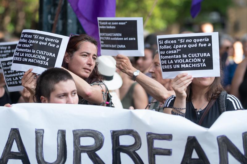 Concentración el miércoles en Donostia tras la presunta agresión sexual de Moraza 1. Foto: Santiago Farizano