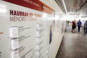 DSCF5639 300x200 - 'Semillas de solidaridad', en el pasadizo de Egia, invita a informarse y echar una mano
