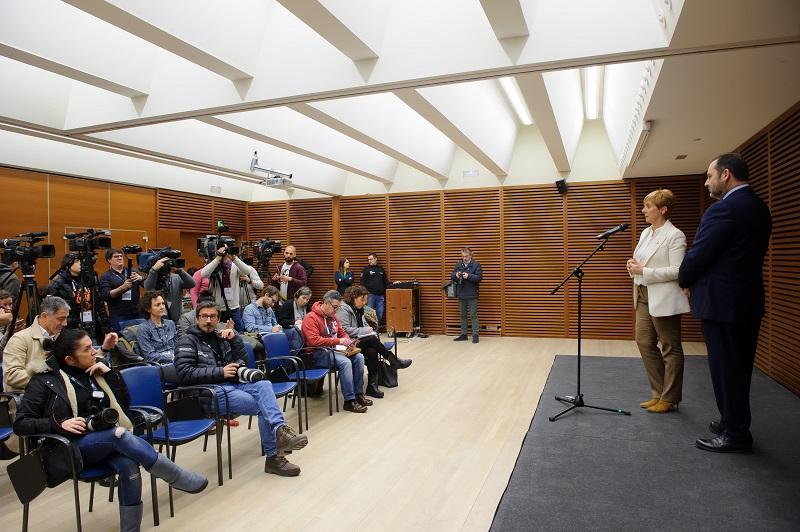 Ábalos y Tapia en Donostia el pasado enero con el compromiso de acelerar el TAV. Foto. Gobierno vasco
