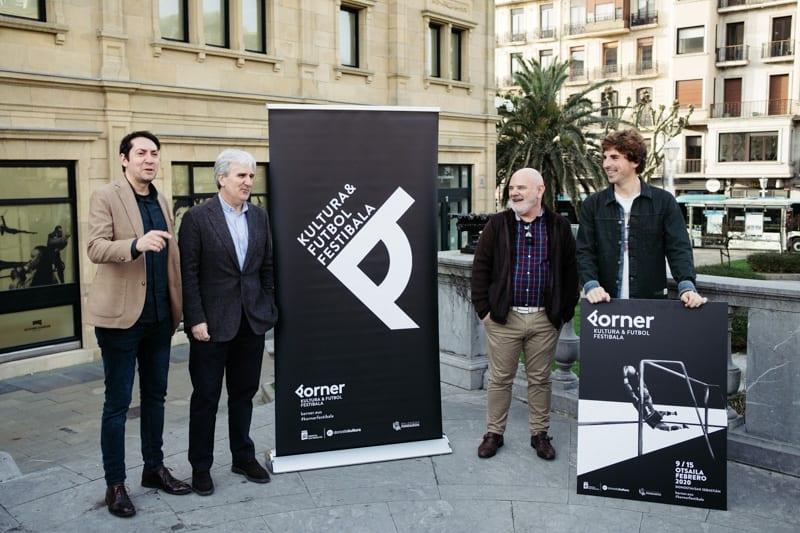 Presentación de Korner esta mañana junto al Teatro Victoria Eugenia. Foto: Santiago Farizano