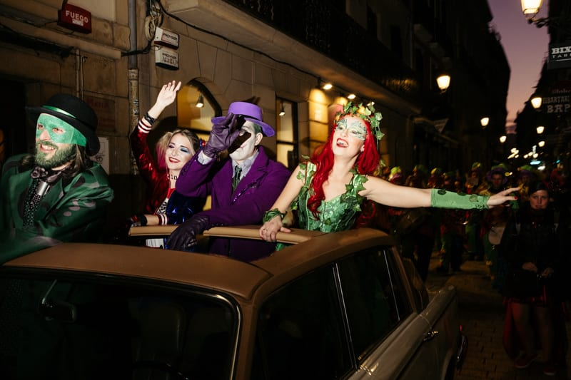 Llegada del Dios Momo a Donostia en 2020. Foto: Santiago Farizano