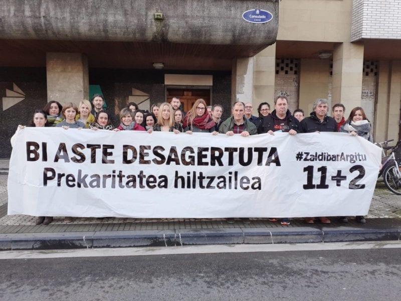 Ela Zaldibar Los sindicatos se concentran al unísono y piden que se recupere a los desaparecidos