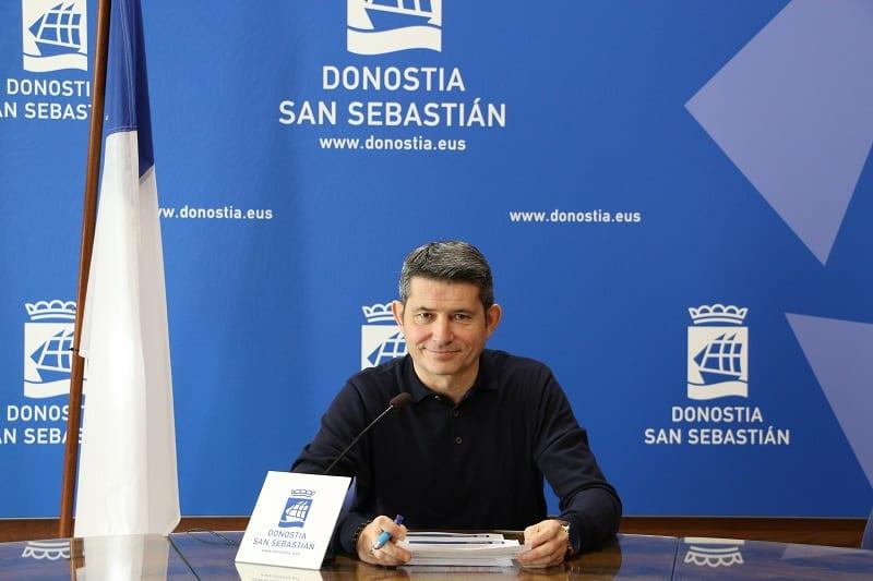 EnriqueRamos El paro desciende en Donostia hasta cifras de 2008 pero con contratos temporales