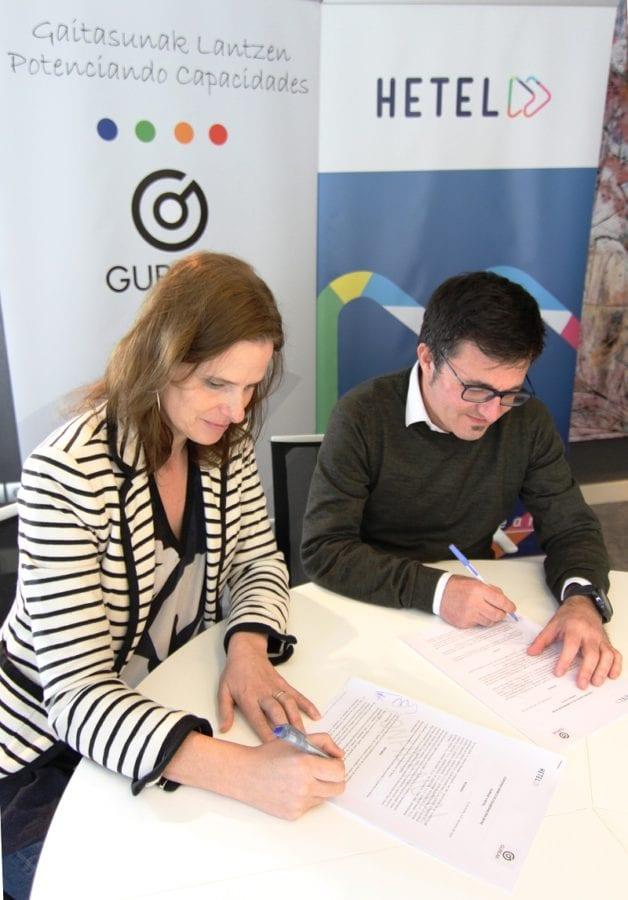 FirmaAcuerdoHetel Convenio para acercar el modelo empresarial de Gureak a los centros de FP