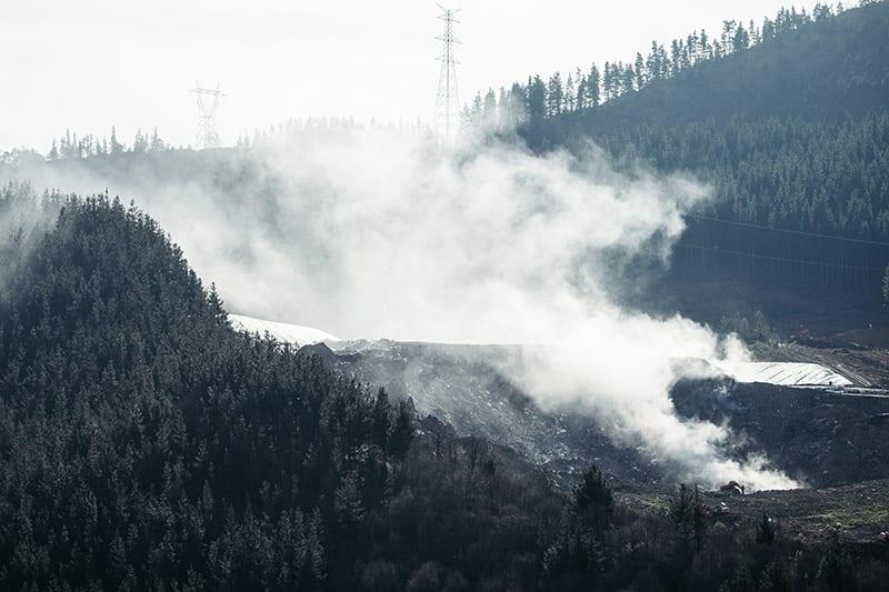 zaldibar derrumbe 06 El fuego vuelve al vertedero de Zaldibar