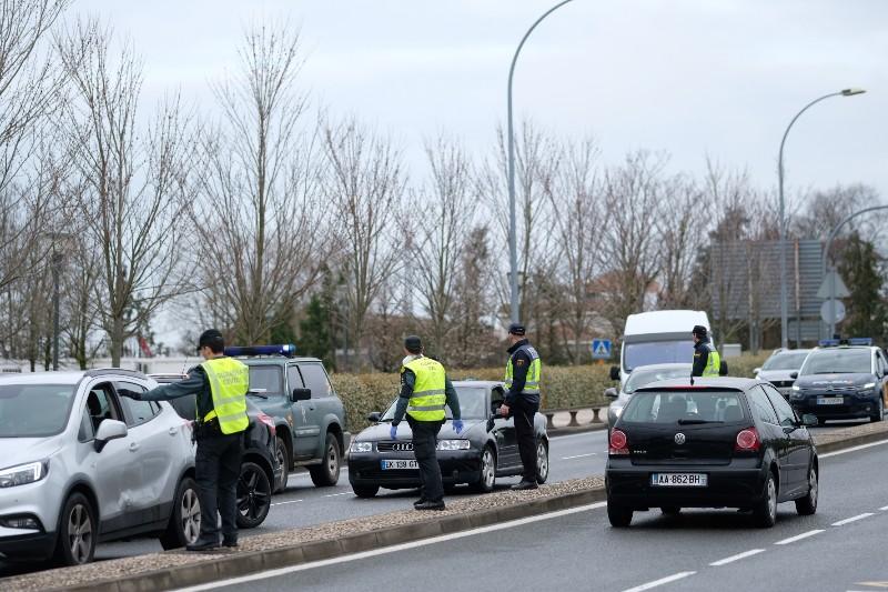Controles en la frontera con Francia el 17 de marzo tras el cierre de fronteras por el coronavirus. Foto: Santiago Farizano