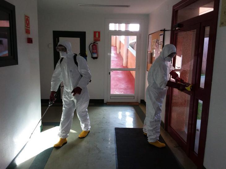 Imagen de archivo. Desinfección en las residencias. Foto: Diputación