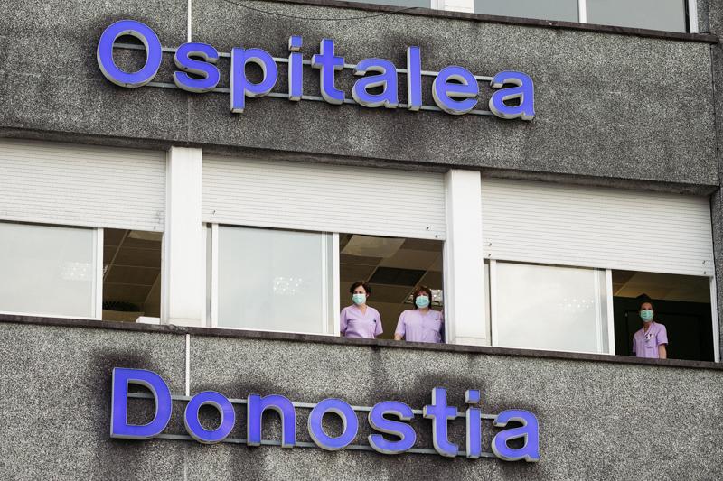 DSCF9580 Udalak Donostiako bandera Donostia Ospitaleari emango dio