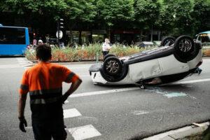 DSCF0953 300x200 - Un turismo se da a la fuga tras causar un accidente en la Avenida de Madrid