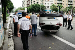 DSCF0964 300x200 - Un turismo se da a la fuga tras causar un accidente en la Avenida de Madrid