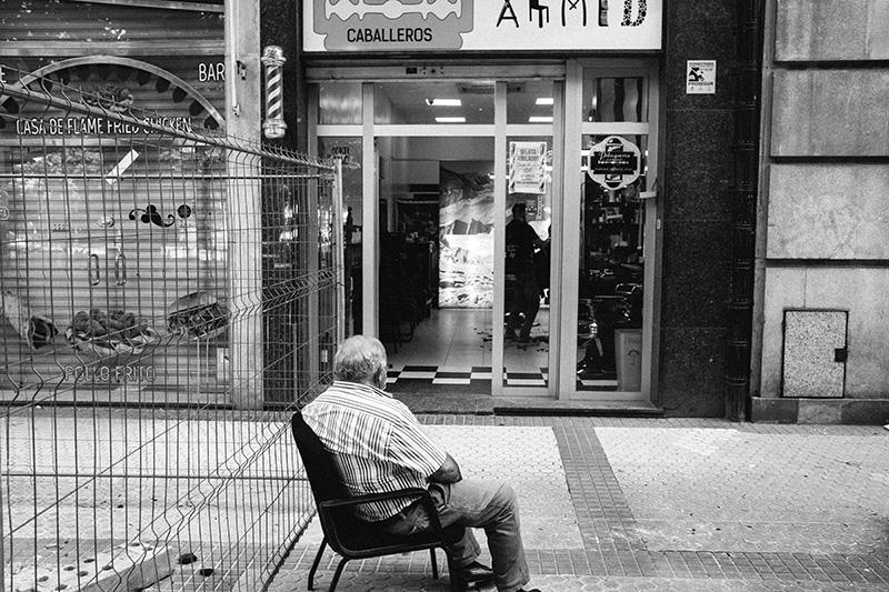 Esperando para ser atendido. Foto: Santiago Farizano