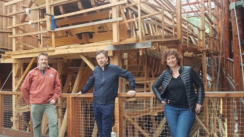 Xabier Agote, Iñigo Marquet y Erme Pedroso en Albaola. Foto: Albaola
