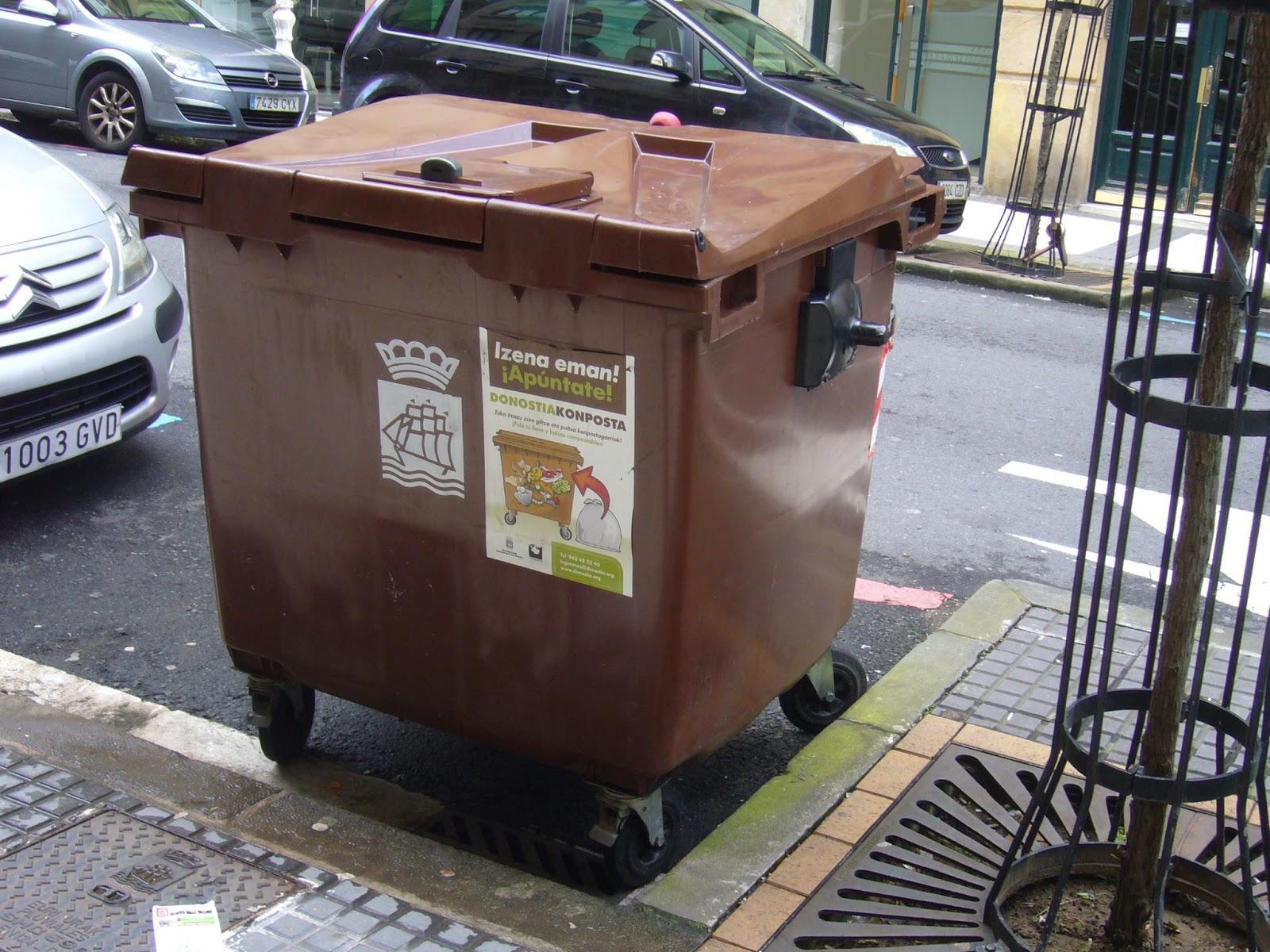 Contenedor marrón. Foto: Eguzki
