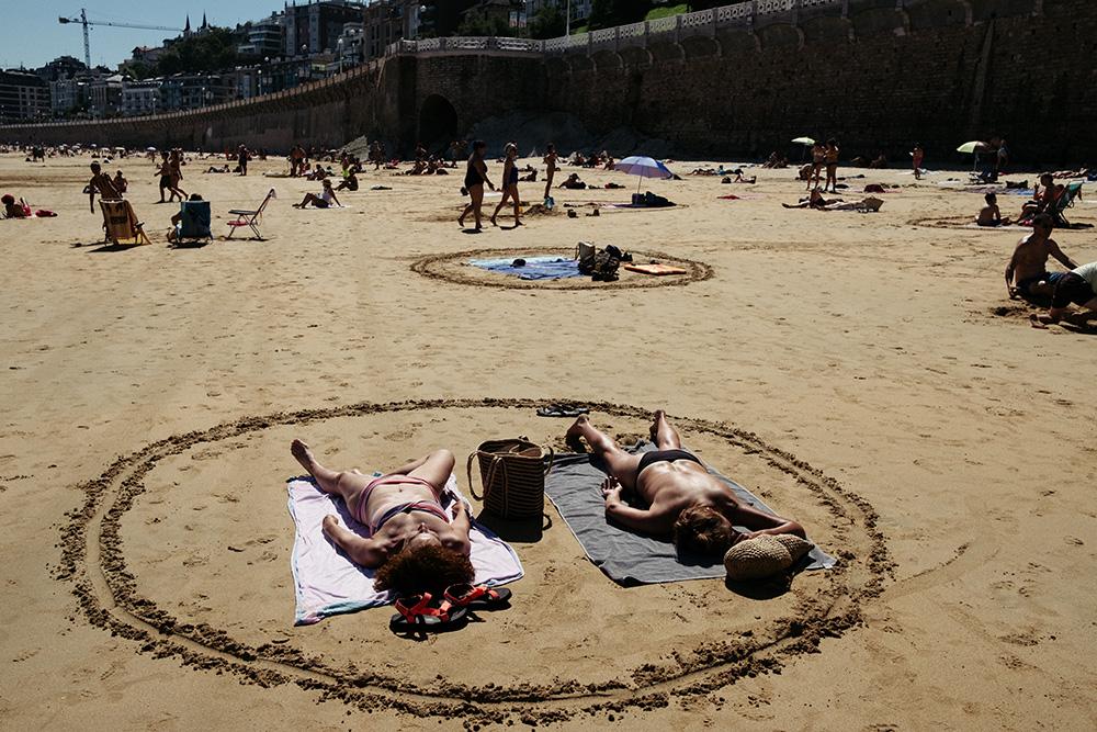 DSCF2953 Círculos en la arena del verano donostiarra